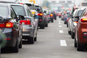 Kërkohet heqja e kushtëzimit për regjistrimin e veturave në Kosovë